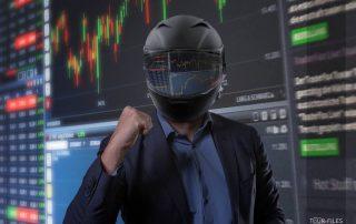 Fotograf Münster Fotomontage - Mann mit Helm vor Börsenkursen